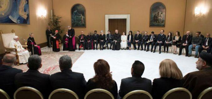 Папата прими меѓурелигиска група од Ирак
