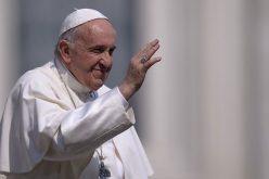 Папата Фрањо: Не секогаш е лесно да се оди по патот на мирот