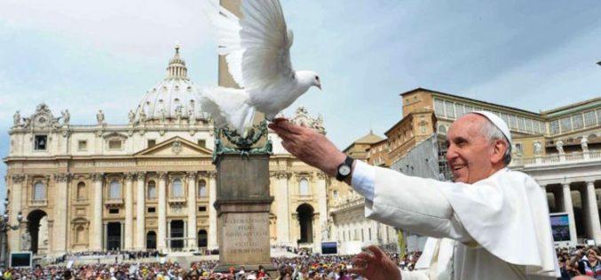 Папата повика на молитва за мир во Македонија