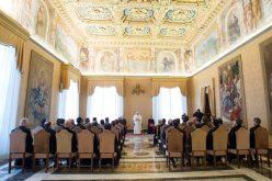 Папата одреди редовен конзисториум за прогласување светци