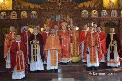 Владиката Стојанов на Велики Четврток служеше во Струмица
