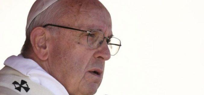 Папата Фрањо: Треба да се запрат господарите на војната