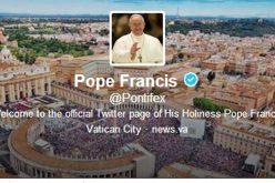 Папата: Религијата помага за подобро и помирно општество