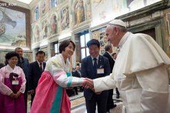 Папата ги истакна ефектите од невработеноста во семејствата