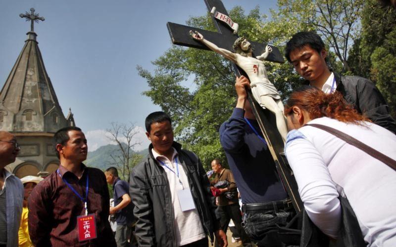 Папата повика на молитва за католиците во Кина