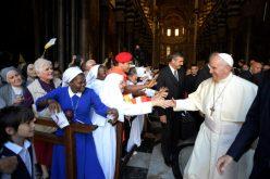 Папата на средба со посветените лица во Џенова