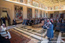 Папата до монахињите: Бидете послушни, препуштајќи се на Светиот Дух