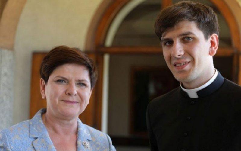 Синот на полската премиерка Беата Шилдо стана свештеник