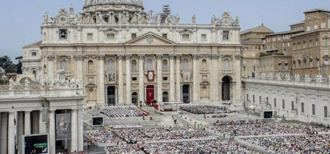 Папата: Светиот Дух нека му подари мир на светот