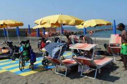 Папата донира за плажа за лица со посебни потреби