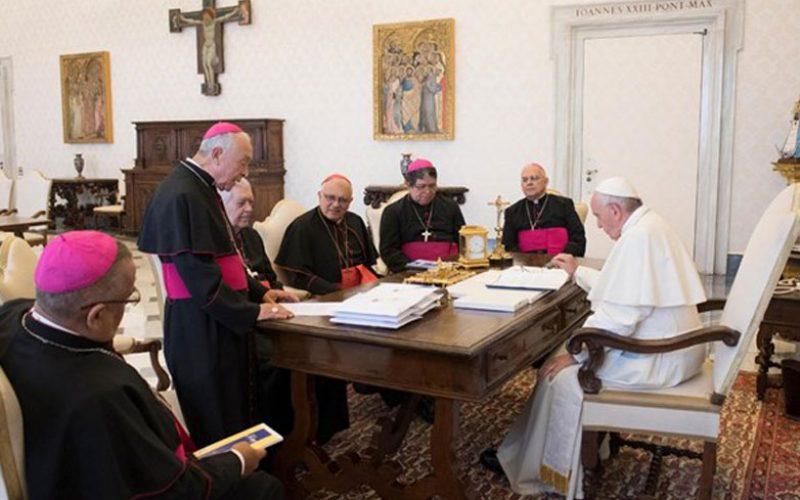Папата се сретна со венецуелските бискупи