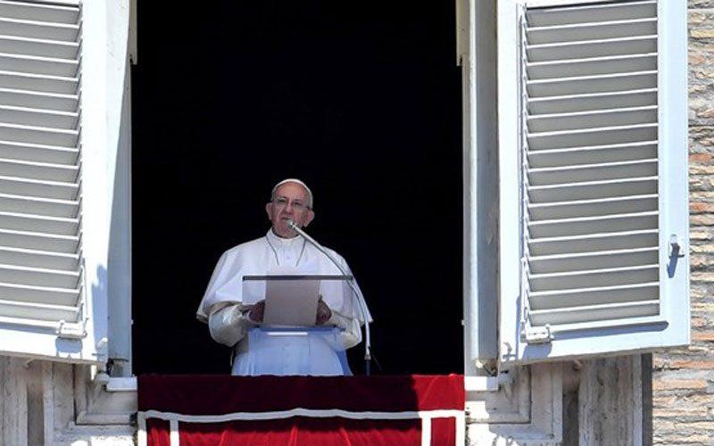 Папата: Бог секогаш прв нѐ љуби, бара, очекува…