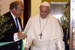 Папата: Образованието не е само за елитата