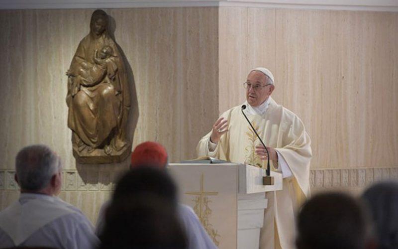 Папата: Вистинската утеха секогаш го вклучува другиот