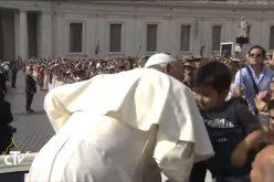 Папата: Бог нѐ љуби со бескрајна љубов
