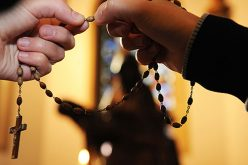 Надбискупот Фултон Ј. Шин за молитвата Бројаница