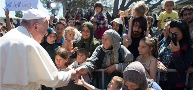 Папата донира за жителите на островoт Лезбос погодени од земјотресот