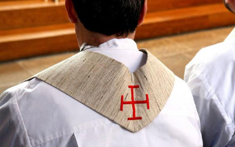 Писмо од брат на иден свештеник