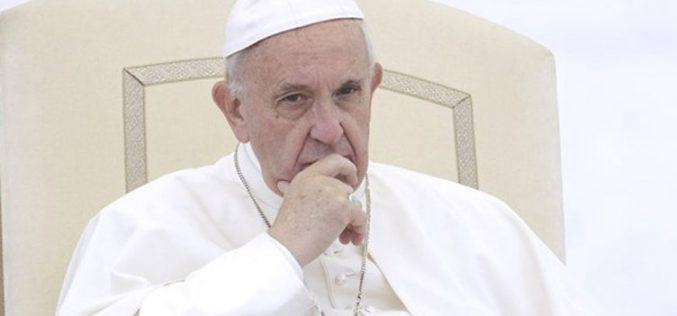Твитер порака на Папата за Денот на Мандела