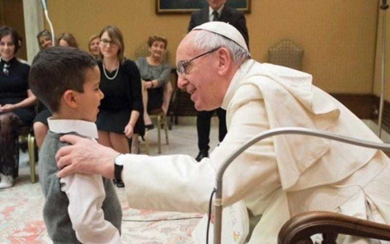Папата одговори на писмо од деветгодишно момче