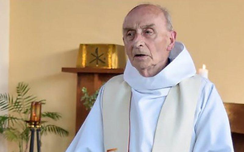 Во порака на Инстаграм Папата се спомна на о. Жак Хамел
