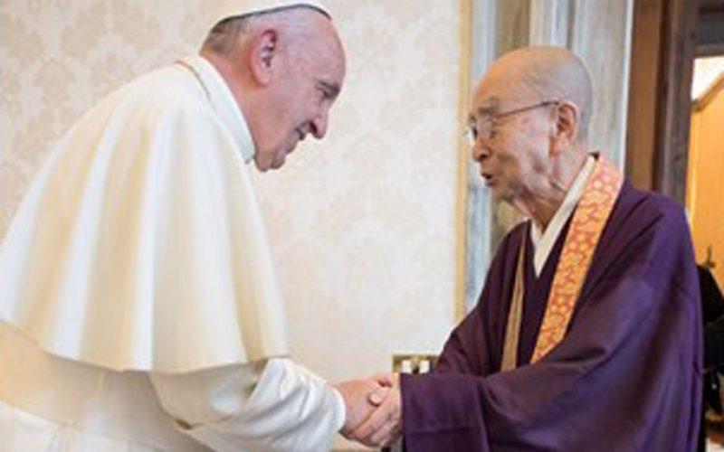 Папа со порака до учесниците на меѓурелигиската средба