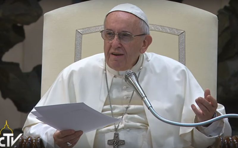 Папата: Исус ни нуди надеж во новиот живот
