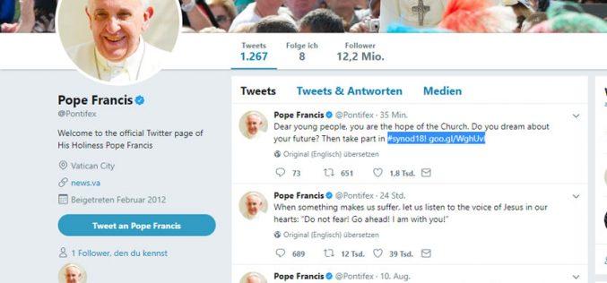 Твитер порака на Папата до младите: Учествувајте во Синодата