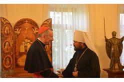 Кардинал Паролин се сретна со митрополитот Иларион