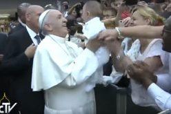Папата: Смртта и омразата го немаат последниот збор