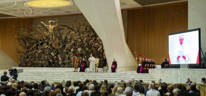 Папата Фрањо: Литургиската реформа е неповратна