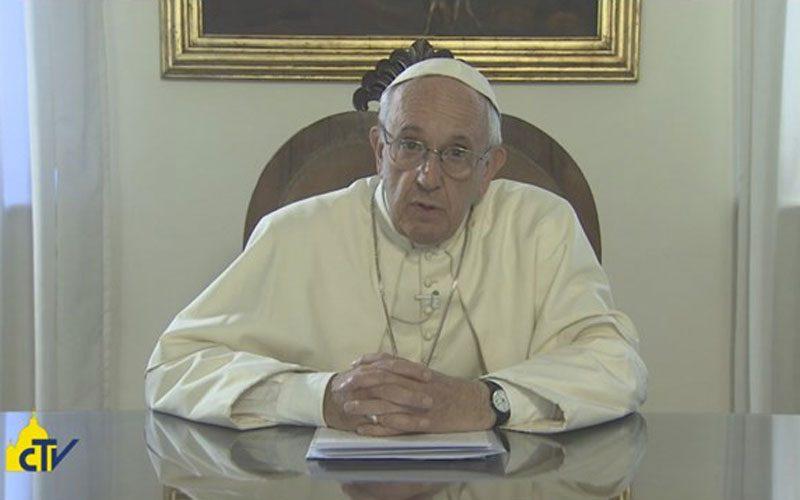 Папата: Богородица е вистинска Мајка