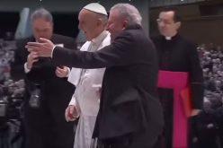 Папата испрати писмо до Кико Аргуело
