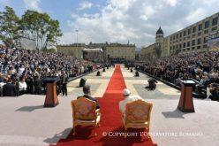 Папата ги поттикна Колумбијците да одат по патот на мирот