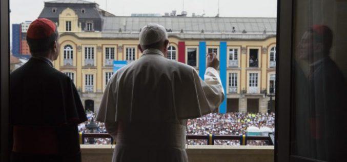 Папата до младите: Сонувајте големи работи