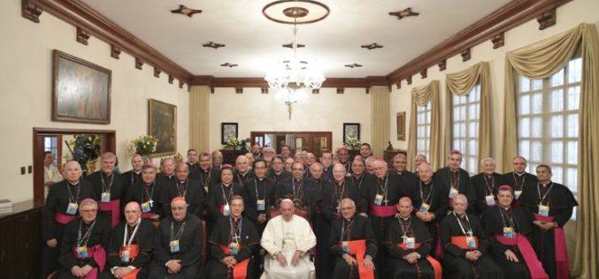 Папата се сретна со епископите од CELAM