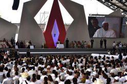 Папата го повика колумбиското општество кон вистина и помирување