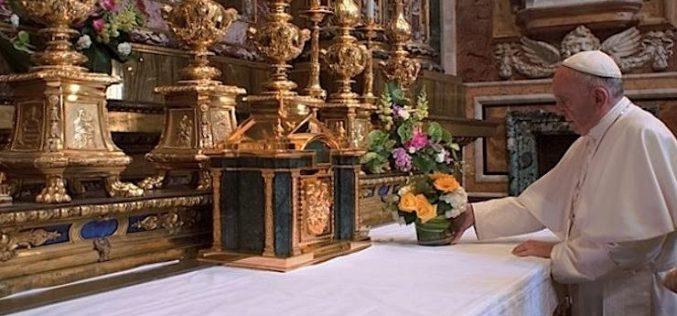 Папата ја заврши својата апостолска посета на Колумбија
