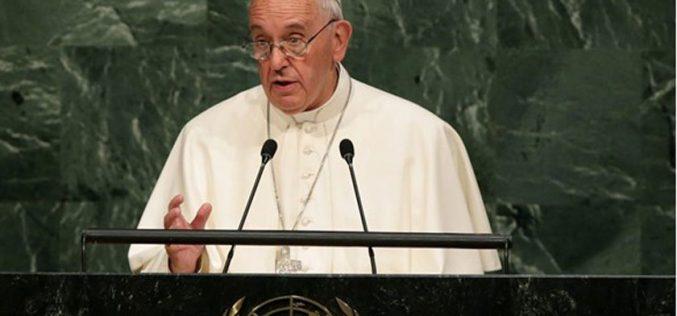 Папата ги повика светските лидери да ги остават на страна личните и идеолошките интереси