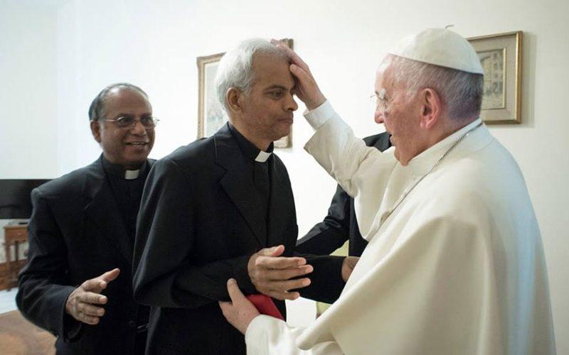 Папата го прими дон Томас Узуналил