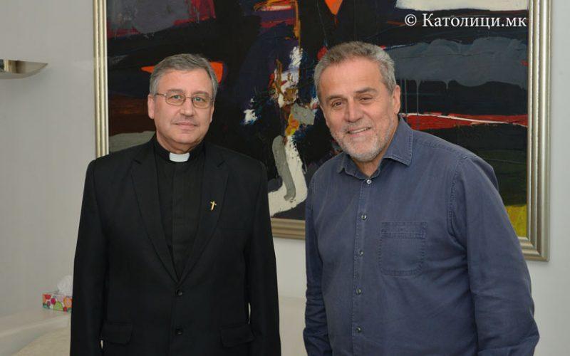 Бискупот Стојанов се сретна со градоначалникот на Загреб