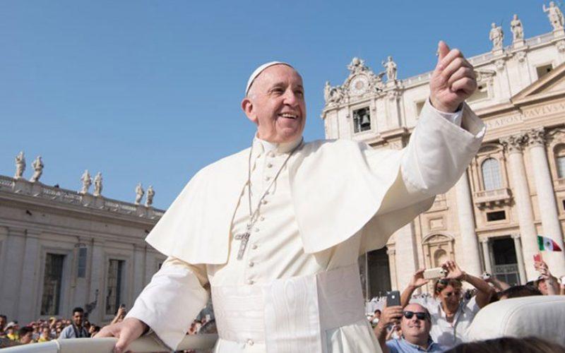 Папата: Никогаш не губи надеж и не плаши се да сонуваш