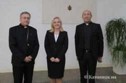 Бискупот Стојанов се сретна со европратеничката Петир
