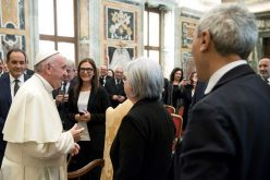 Папата: Приоритет на политиката е борба против мафијата