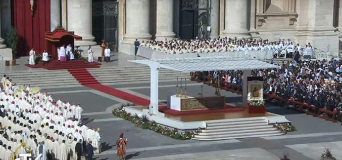 Папата прогласи 35 нови светци