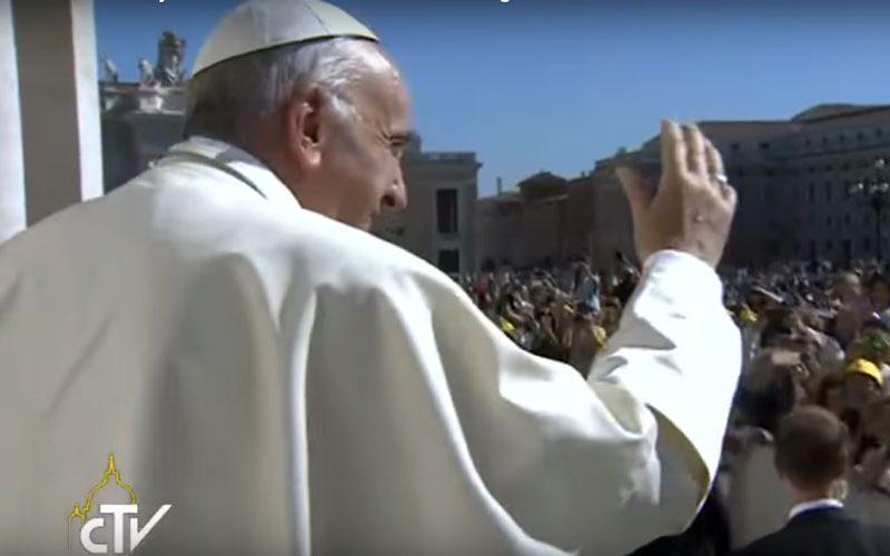 Папата на Твитер поттикна сведочење на радоста на Евангелието