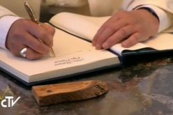 Папата напиша предговор за книга посветена на независноста на Латинска Америка
