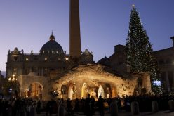 Ватикан: Божиќни јасли од Кампарија, а елка од Полска