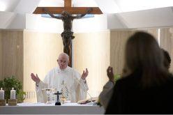Папата: Добриот пастир се приближува до отфрлените