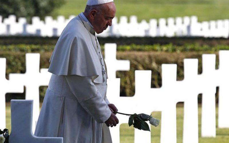Папата Фрањо на Американските гробишта: Никогаш повеќе војна!